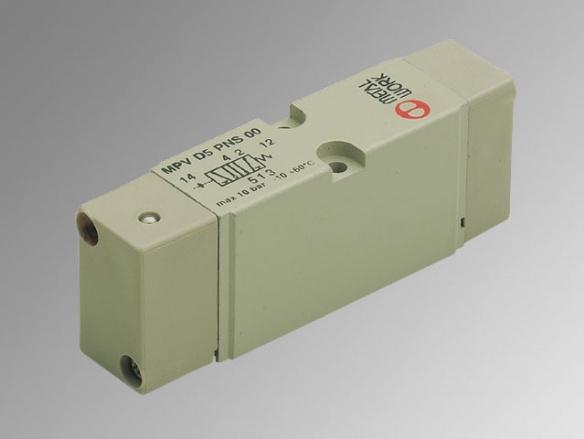 MACH 18 VDMA пневматични и електропневматични разпределители